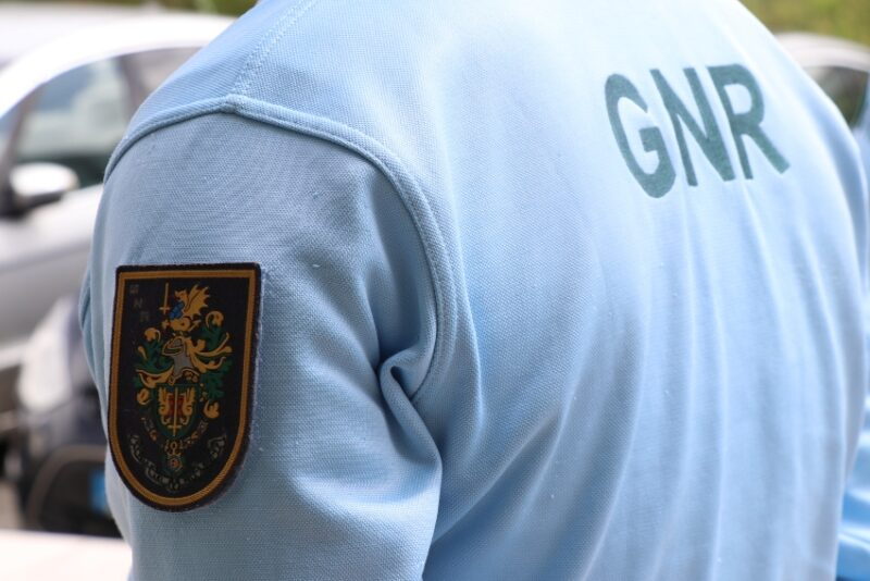 Un groupe arrêté pour avoir escroqué une station-service d'Algarve sur 7 000 €