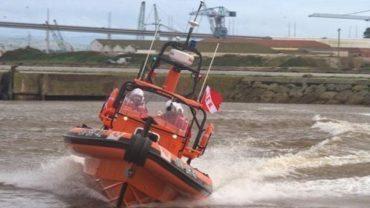 Bateau de sauvetage, rapide et de toute sécurité, bientôt à Ferragudo