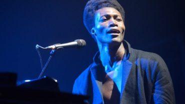 Presque plus de billets pour le concert de Benjamin Clémentine à Faro