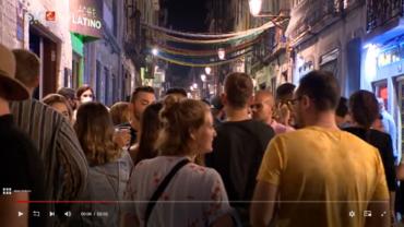 La vie nocturne revient dans le Bairro Alto de Lisbonne avec des foules de jeunes profitant d'une «atmosphère de fête»