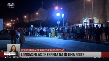 La réouverture des bars et discothèques du Portugal voit les files d'attente s'étendre sur des centaines de mètres