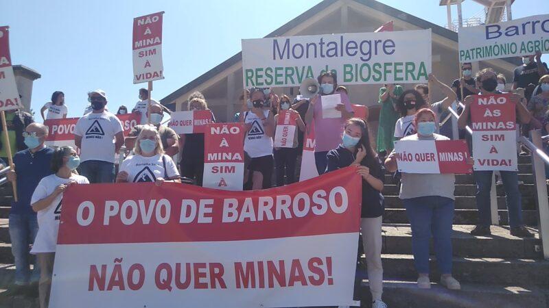 Les villages du nord se manifestent en force contre les projets miniers à ciel ouvert