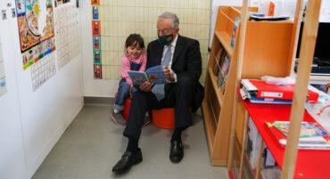 Marcelo « insiste pour vacciner les enfants »
