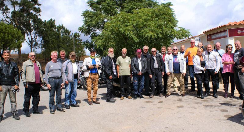 Randonnée humide en septembre pour les motards seniors de l'Algarve