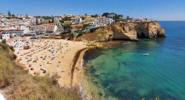 Les algues sur les plages de l'Algarve ne présentent pas de risques pour la santé, selon l'APA