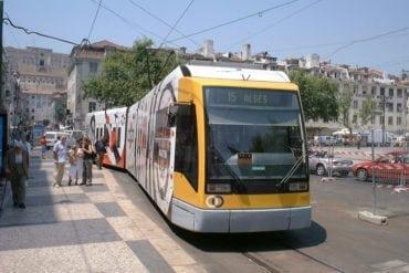 Le gouvernement songe à réduire le prix des titres de transport au niveau national