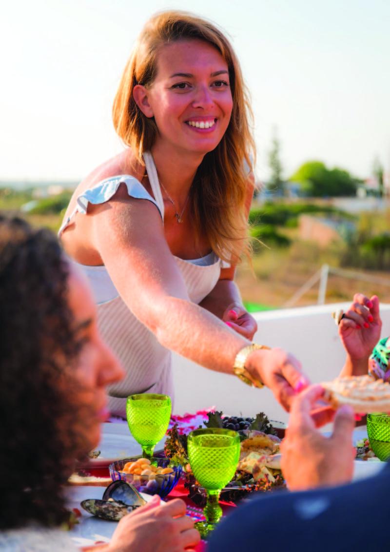 «Établir une connexion entre les touristes et les locauxautour de la table»