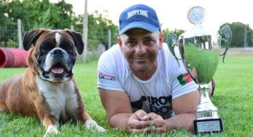 Le chien Algarve Boxer termine troisième au championnat international IGP en Allemagne
