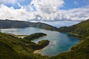 Plus de 300 mini-séismes enregistrés en une nuit aux Açores