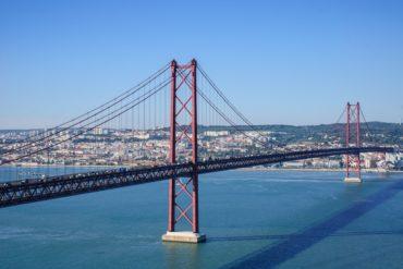 Inquiétude autour du Pont du 25 avril, qui menace de s'effondrer