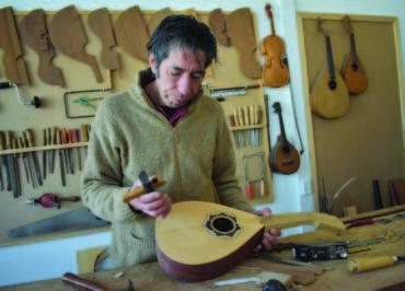 Le fabricant de guitares