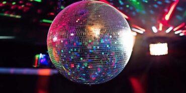 """Les discothèques peuvent ouvrir à partir d'aujourd'hui """"mais il est interdit de danser"""""""