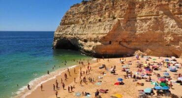 Les municipalités de l'Algarve montrent la voie en ce qui concerne « l'incidence du virus »: la situation nationale s'améliore lentement