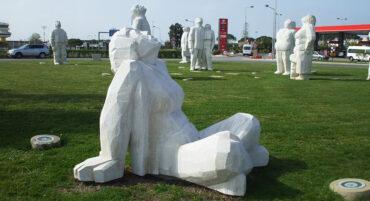 Une nouvelle exposition célèbre les 20 ans des «observateurs d'avions au rond-point» de l'aéroport de Faro