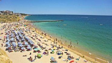 Une nouvelle taxe touristique approuvée en Algarve